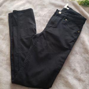 H&M black skinny high waisted pants. Size 6